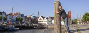 Andreas Tietze am Hafen in Husum
